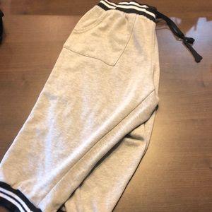 Rue21 Large Capri pants
